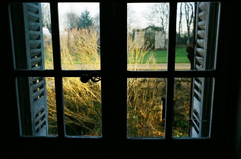 A travers la vitre I