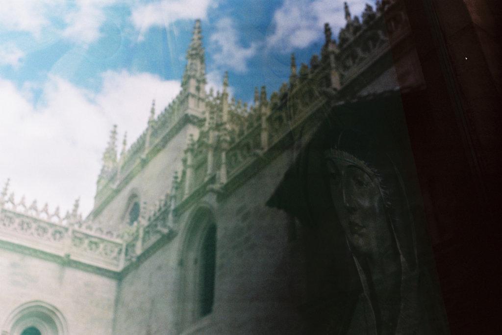 Reflet de la Chapelle Royale